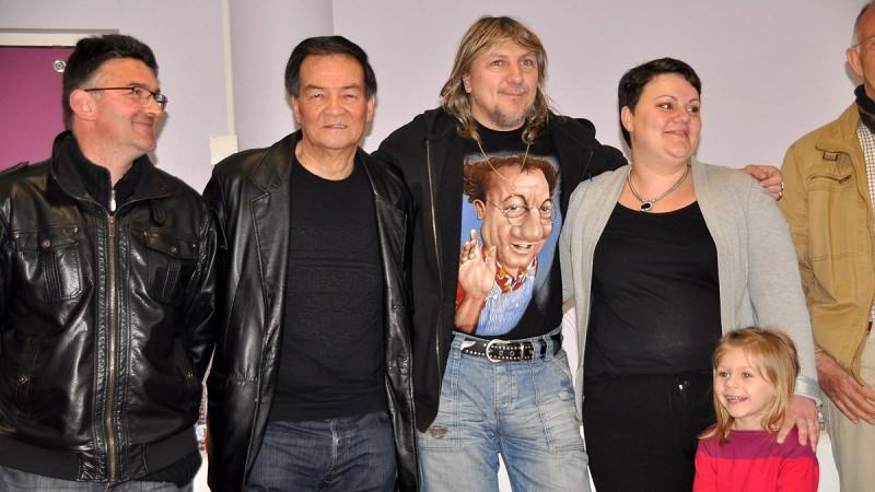 20105-remise-du-cheque-au-profit-des-restos-du-coeur