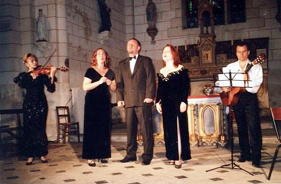 2005-JUIN---CONCERT-AVEC-ANNEAUX-D'AZUR-EGLISE-DU-BOURG-DE-BUXEROLLES