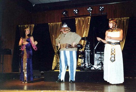 2006--OCTOBRE--SOIREE-CABARET-ET-DANSANTE-Salle-des-Castors