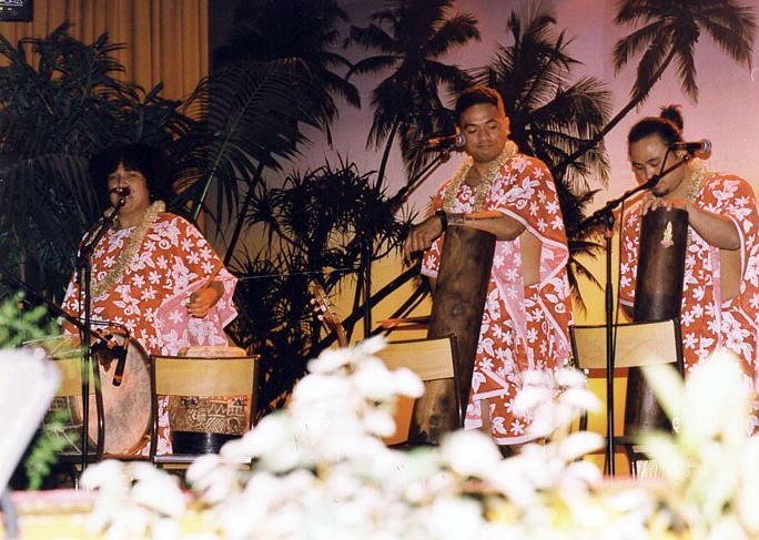2001-ELECTION-MISS-PAYS-DES-BUIS-AVEC-TAHITI-SHOW-2