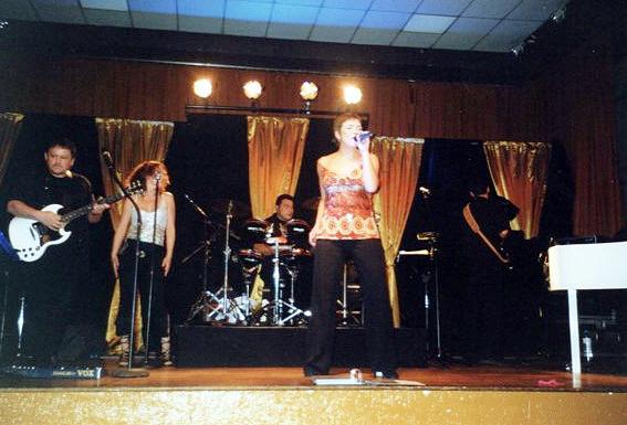 2006--OCTOBRE--SOIREE-CABARET-ET-DANSANTE-Salle-des-Castors-4